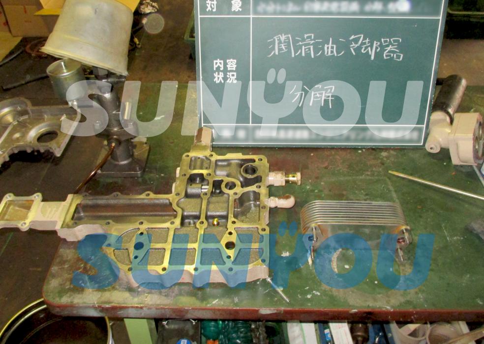 潤滑油冷却器の分解