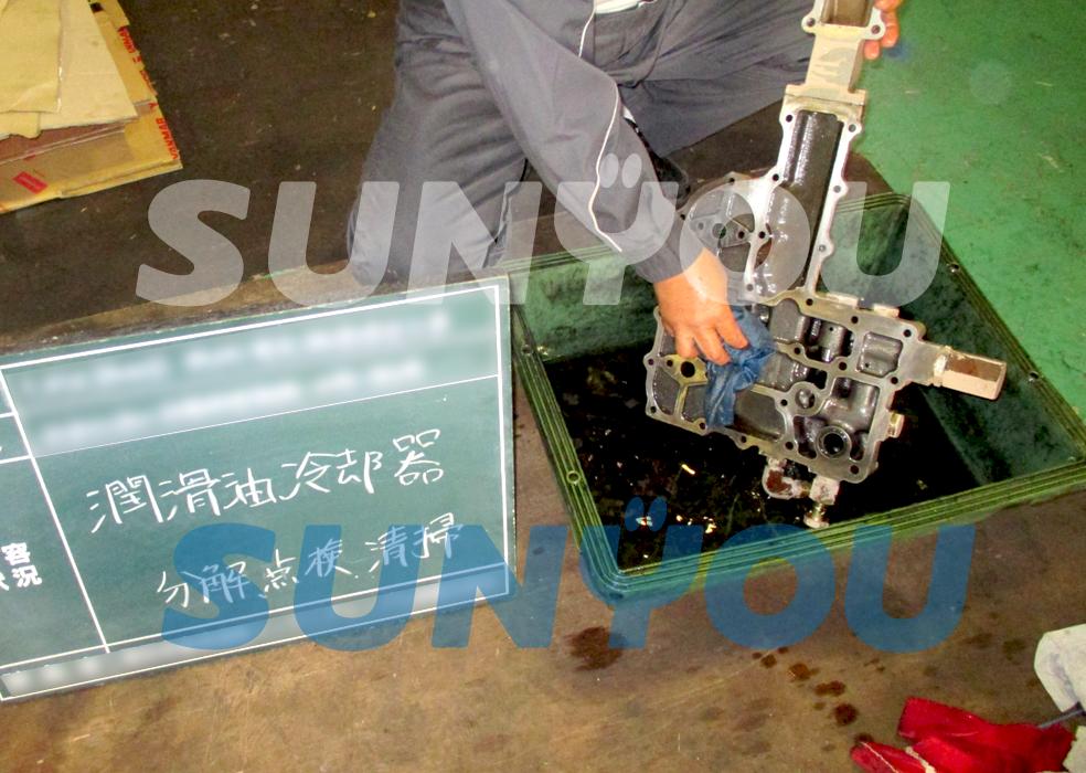 潤滑油冷却器洗浄の様子